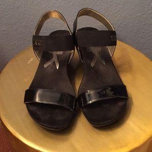 🌟Anne Klein Sport- Saphirra Black Sandals(Size 8)
